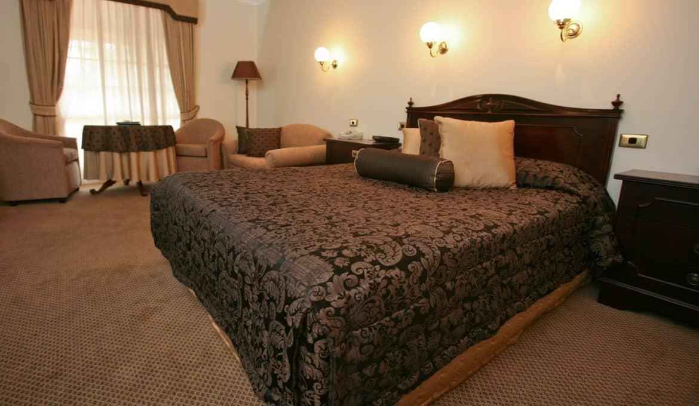 Queen Superior Room