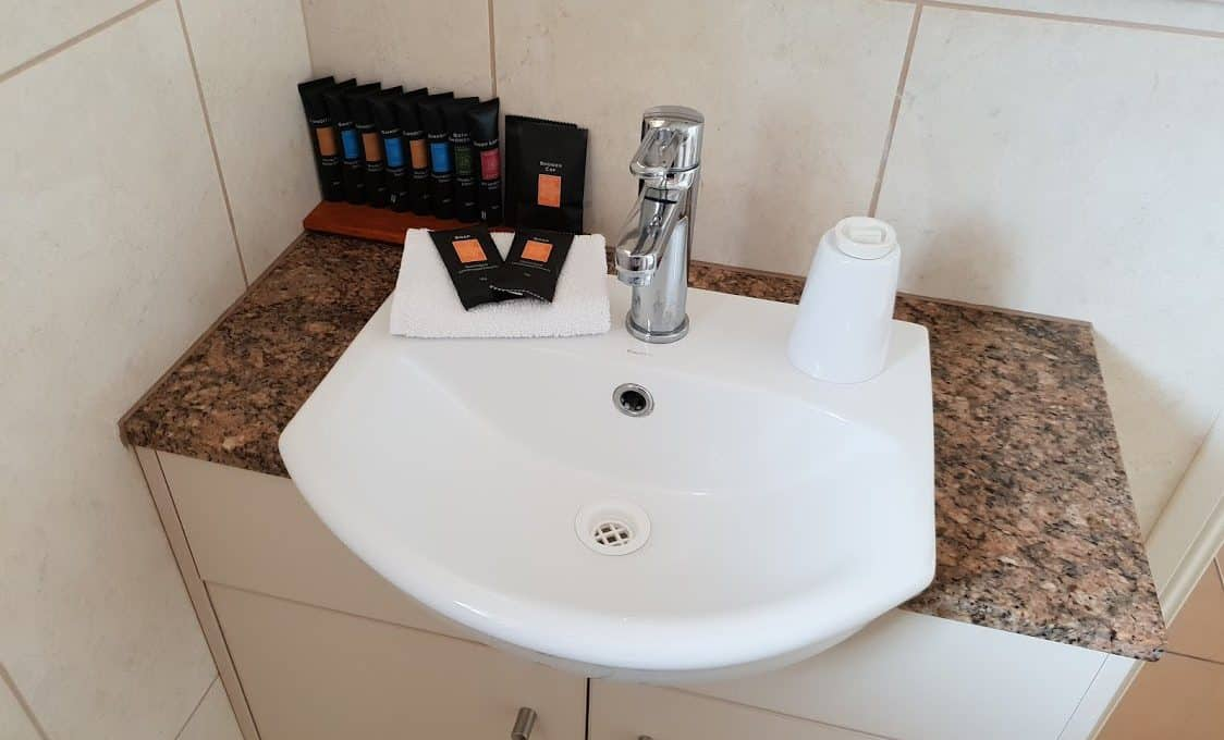 Small Bath Suite
